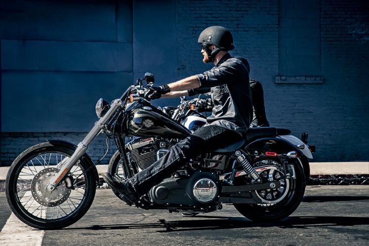 Harley Davidson Dyna Low Rider Vs Super Glide