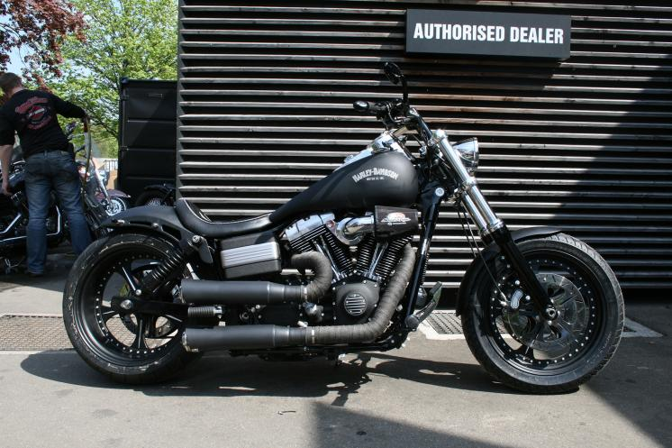 dyna edis fat bob custom bikes motorr der website. Black Bedroom Furniture Sets. Home Design Ideas