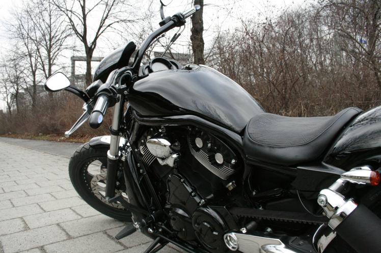 v rod nightrod umbau black bullet custom bikes. Black Bedroom Furniture Sets. Home Design Ideas