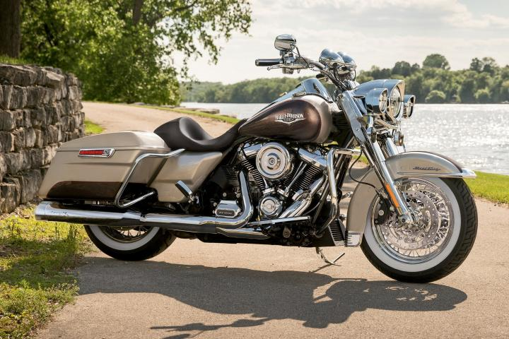 Electric Blue Silver Fortune 2018 Touring Harley