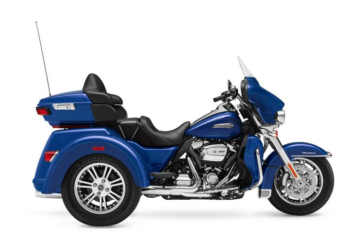 superior blue 2017 trike harley davidson flhtcutg. Black Bedroom Furniture Sets. Home Design Ideas