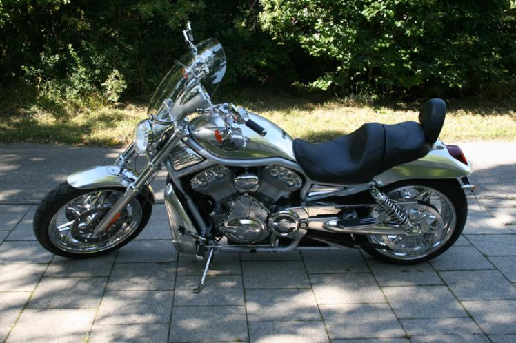 v rod otto s vrsca umbau custom bikes motorr der. Black Bedroom Furniture Sets. Home Design Ideas