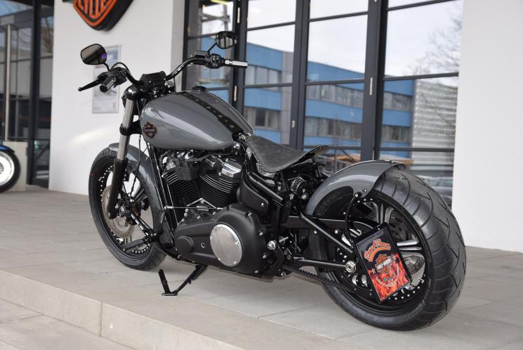 Harley Davidson Blacked Out Bikes